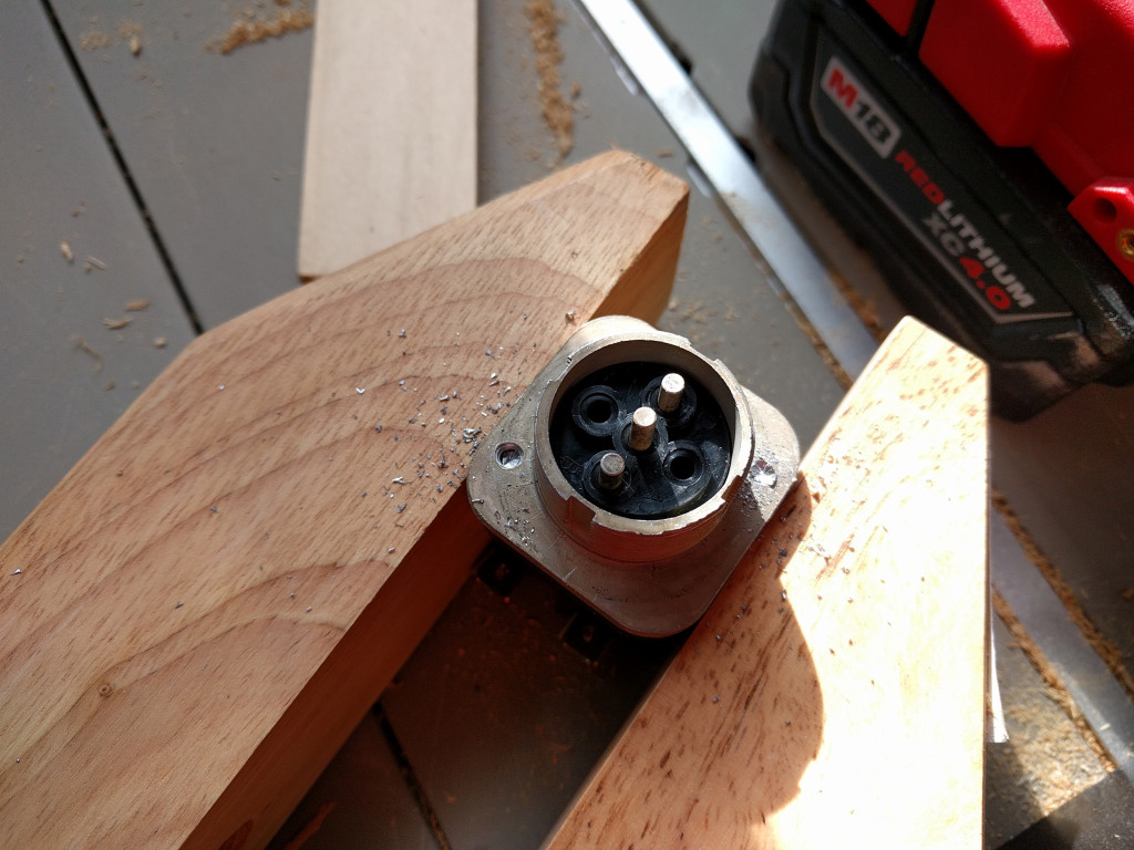 04-drilling-out-rivets