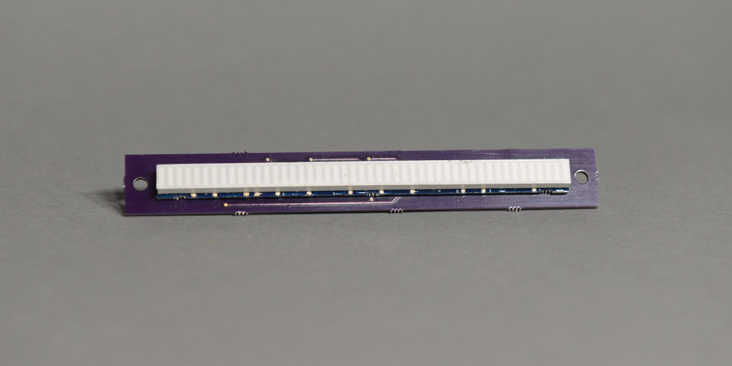 Front view of the bar graph carrier board.